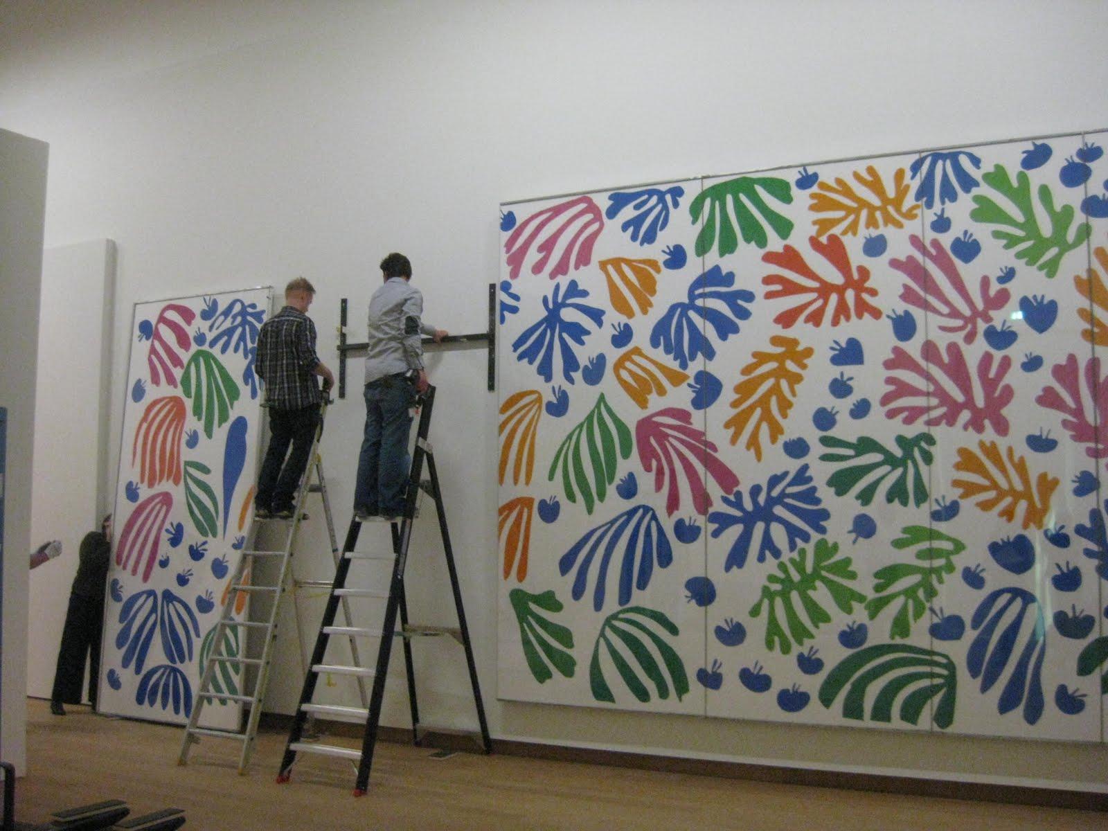 Hanging Matisse